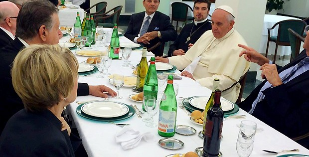 Pope Francis Meets With Charismatic Church Leaders To Plan Return To Mother Church