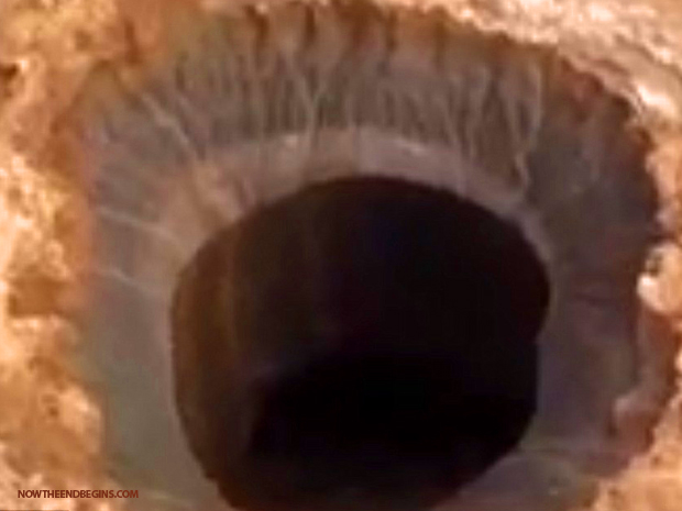 scientists-baffled-by-giant-hole-in-earth-opened-up-russia-siberia-yamal-end-of-the-world