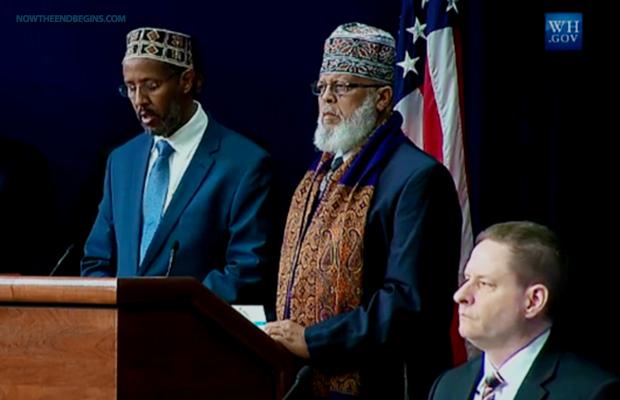 obama-cúpula-on-violento extremismo de abre-com-muslim-islam-imam-oração-fevereiro-19-2015