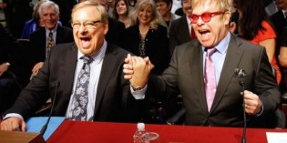 Apostate Pastor Rick Warren And Elton John Hold Hands In Congress, Joke About Kissing Each Other
