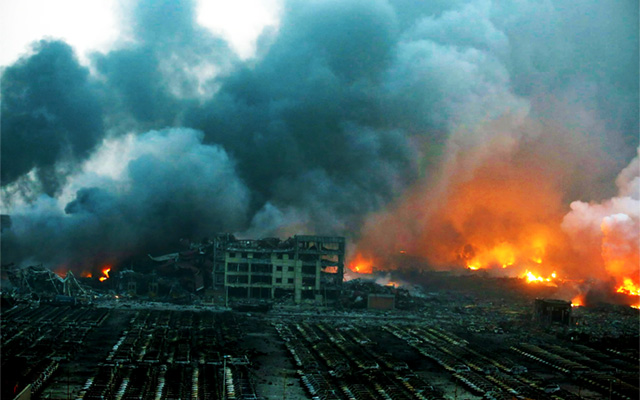 china-rocked-by-huge-mushroom-cloud-explosions-tianjin-chinese