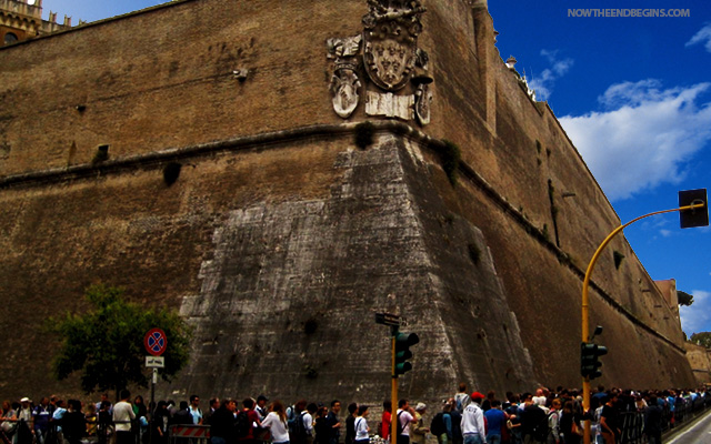 vatican-city-anti-immigration-wall-pope-francis