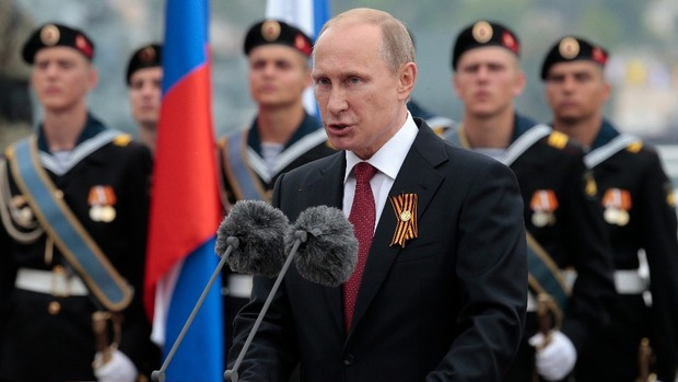 putin-victory-day-parade-2014-hails-all-conquering-force-russian-army-ukraine