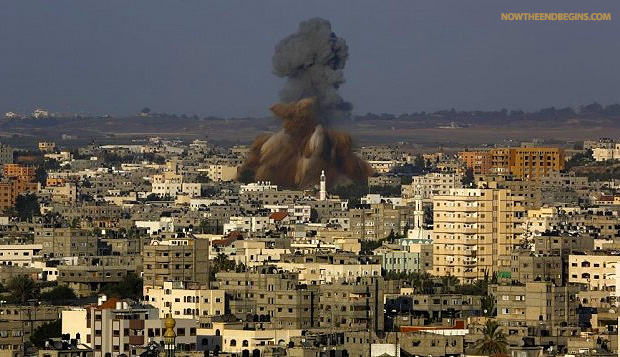 hamas-rains-down-rockets-tel-aviv-idf-responds-august-20-2014