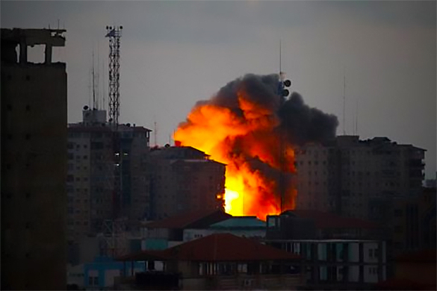 israel-destroys-12-story-apartment-buildings-in-gaza-after-hamas-missile-strike-august-23-2014
