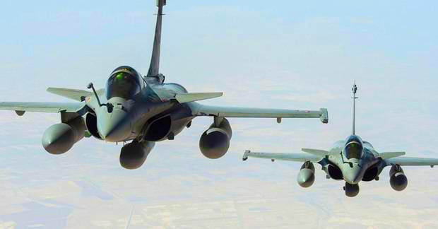 france-becomes-first-nation-to-assist-america-launch-airstrikes-against-ISIS-islamic-state