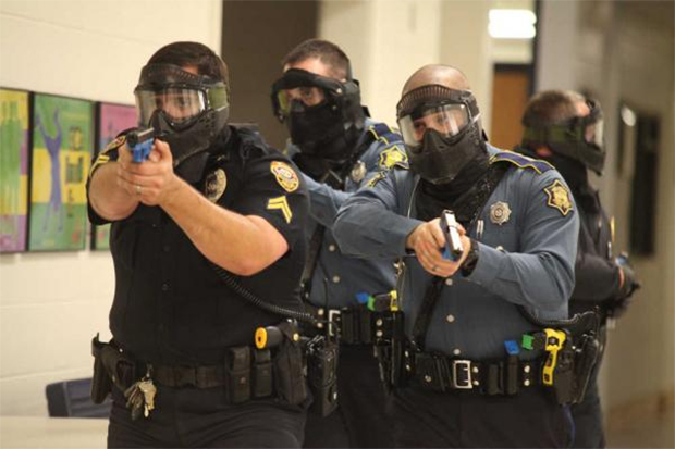 florida-police-terrify-students-with-active-shooter-drill-jewett-elementary-school