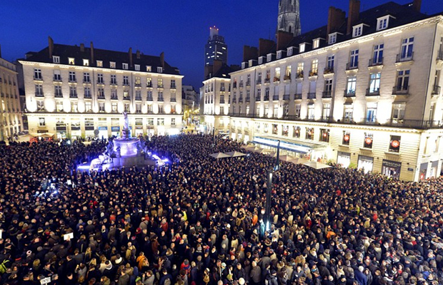 hundred-thousand-gather-in-france-show-support-for-12-people-slaughtered-by-muslim-terrorists-gunmen