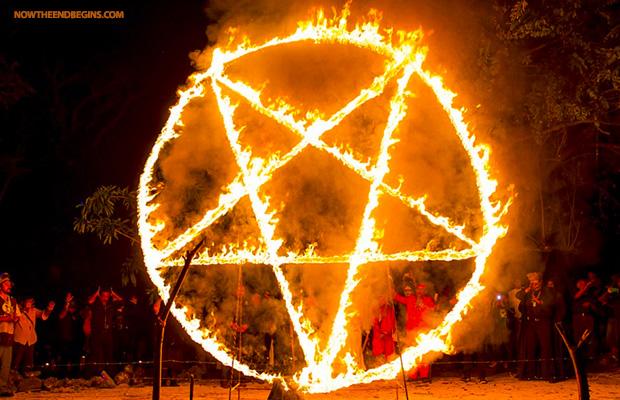 satanic-black-mass-in-mexico-horrifies-tourists-pentagram-666-animal-human-sacrifice-01