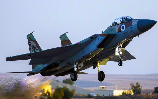 israeli-air-force-strikes-targets-in-gaza-july-16-2015