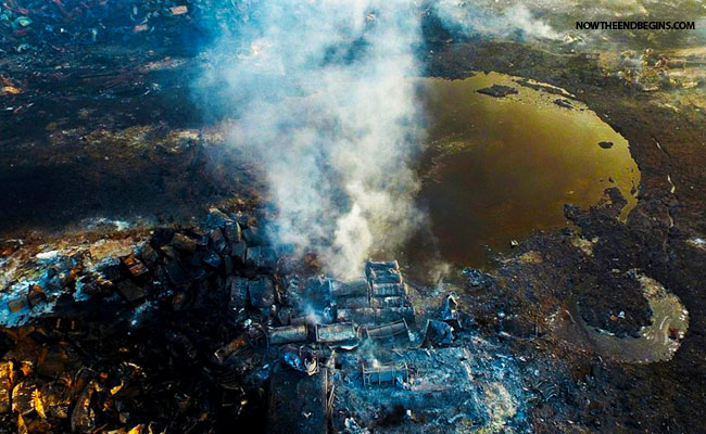 china-rocked-by-huge-mushroom-cloud-explosions-tianjin-chinese-attacked-by-united-states-over-devalued-yuan-03