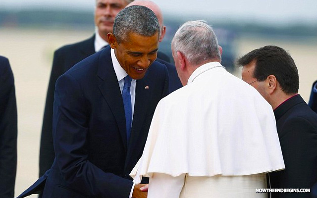 obama-bows-to-pope-francis-arrives-america-vatican-catholic-church