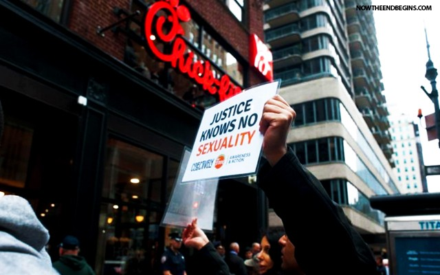 chick-fil-a-opens-mega-store-new-york-city-amid-lgbt-animal-rights-activists-protests-cfa