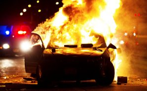 racist-crowds-turn-violent-in-milwaukee-after-police-shoot-kill-armed-man-black-lives-matter