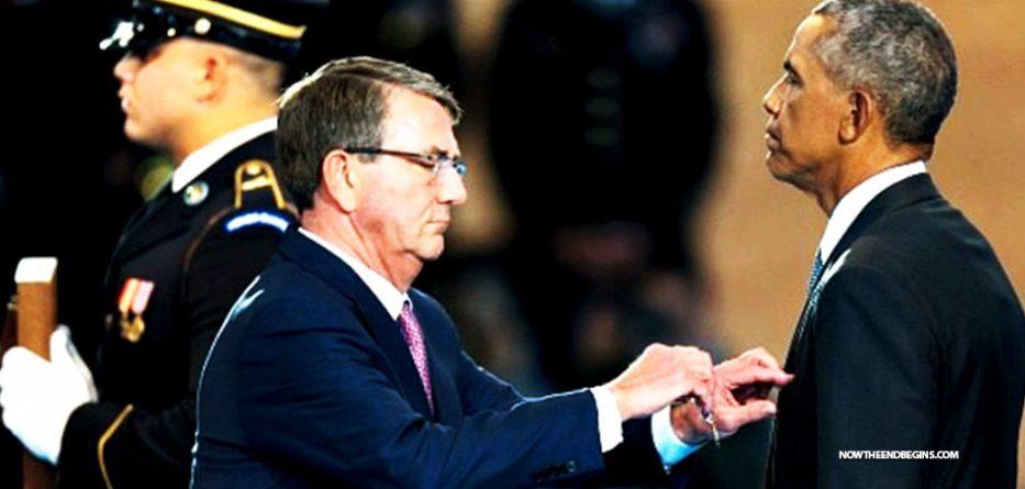 obama-awards-himself-distinguished-public-service-medal-antichrist-narcissist