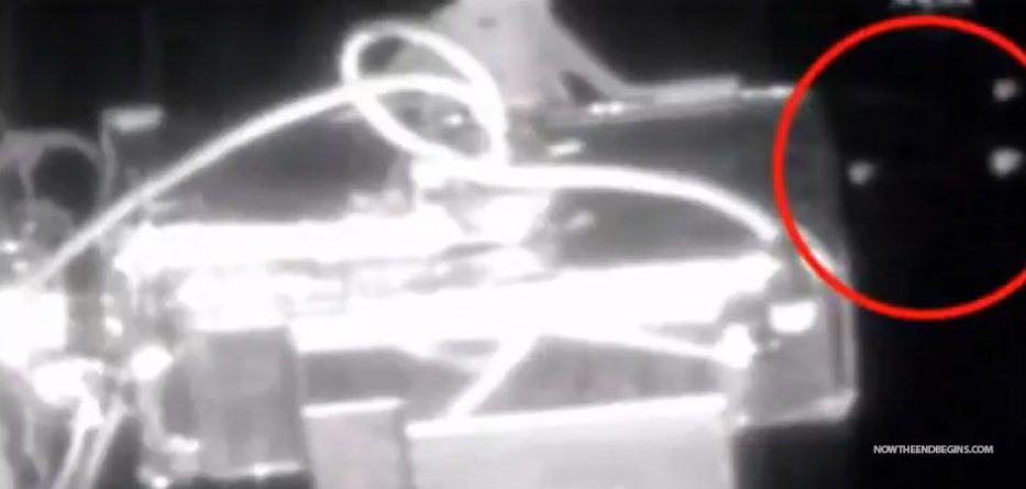 nasa-live-feed-cuts-off-5-ufos-fly-by
