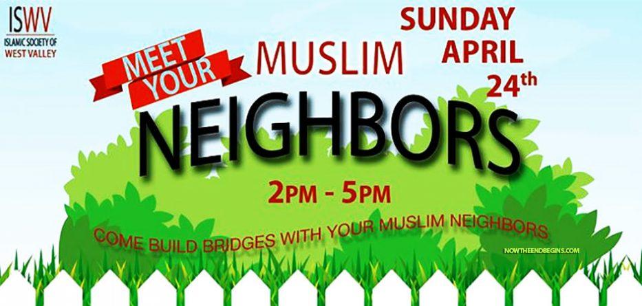 meet-your-muslim-neighbors-islam-coofe-cake-moon-god-allah