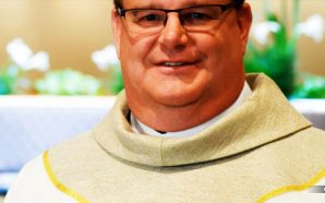 gay-catholic-priest-wisconsin-standing-ovation-end-times