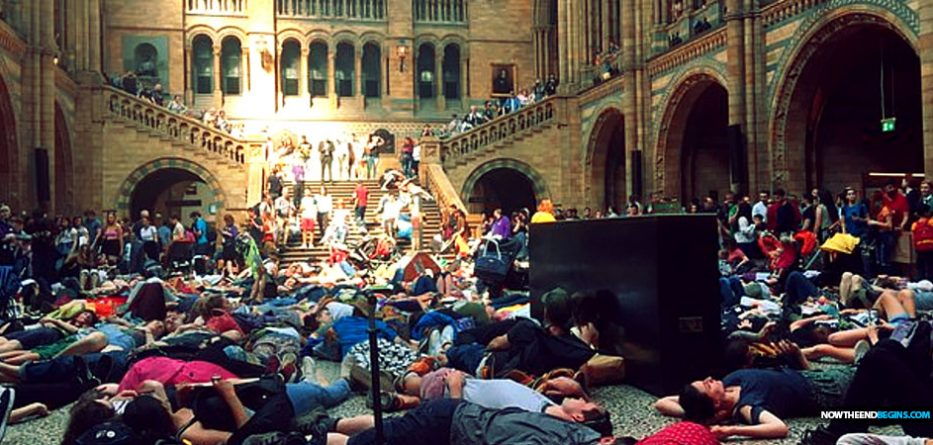 climate-change-global-warming-die-in-protests-uk-london