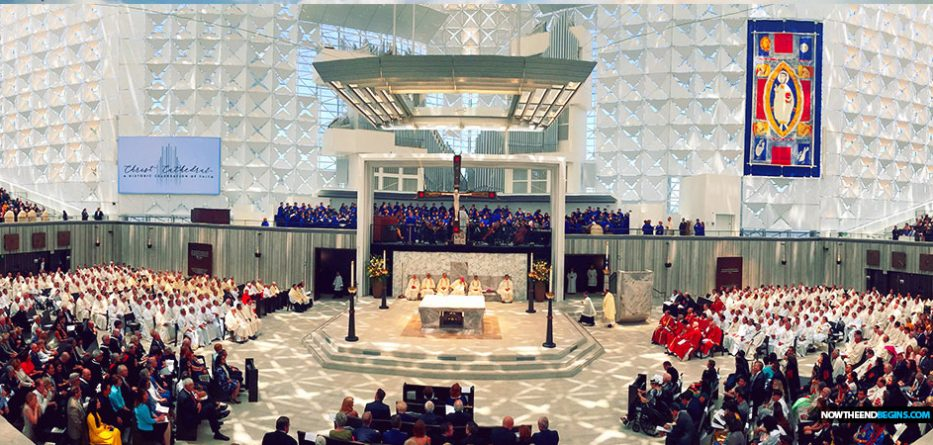 Thousands attend dazzling dedication of remodeled Christ Cathedral, Orange County's new center of Catholicism