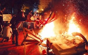 pro-fascist-antifa-domestic-terror-group-surrounds-white-house-washington-dc-burning-