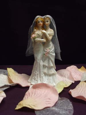 christian-bakers-who-refused-order-for-gay-lesbian-queer-wedding-cake-forced-out-of-business-oregon